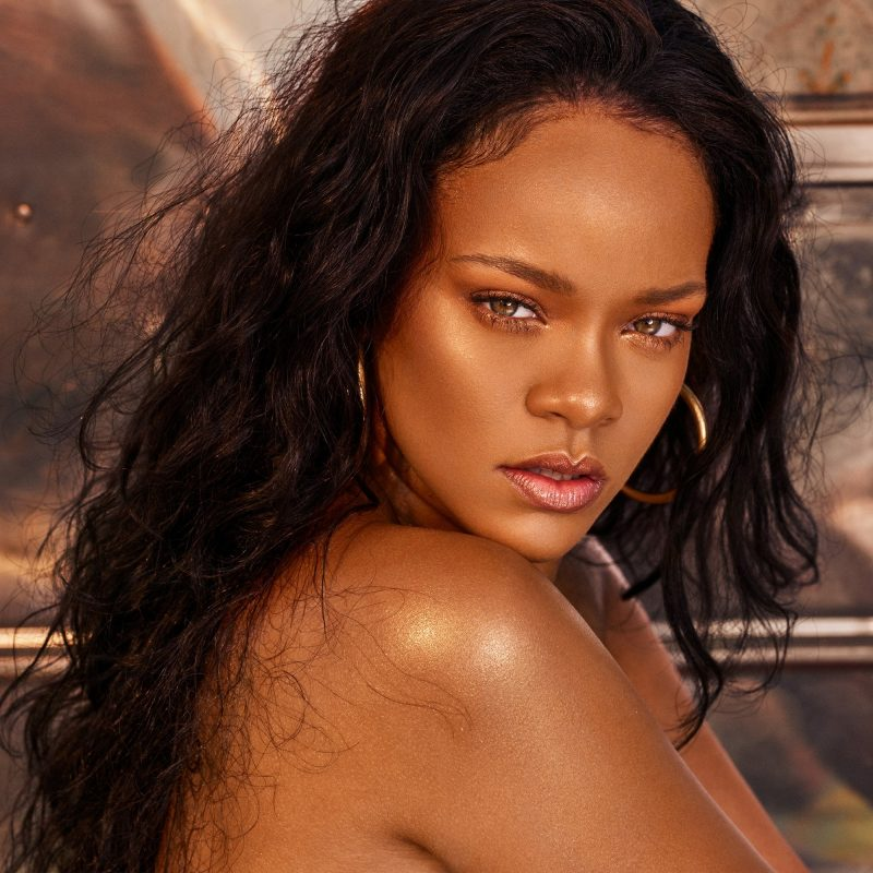For the perfect sun-kissed look, get your hands on the latest collection from Fenty Beauty, Rihanna's cult makeup brand.
